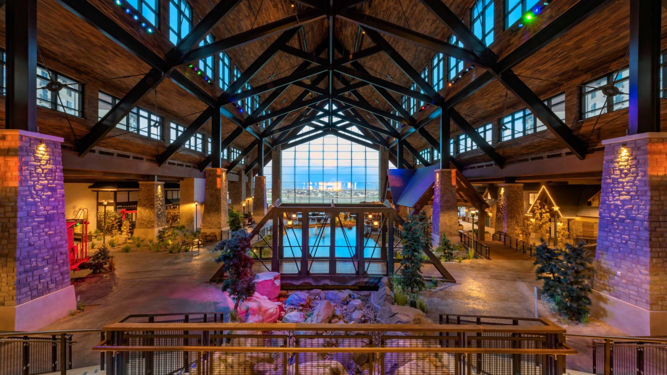 Gaylord Rockies - Atrium