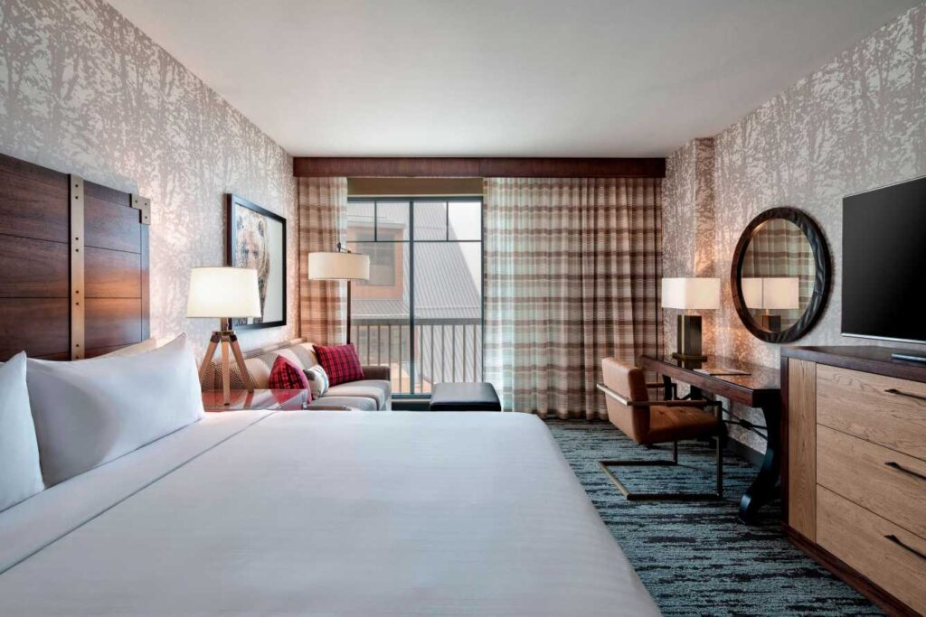 Gaylord Hotel Commitment to Clean